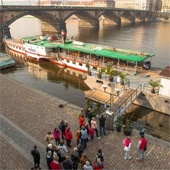 První plavby do zoo letos zahájil parník Vltava