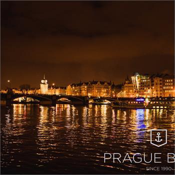 Večeře na lodi v Praze