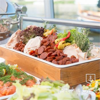 Meat and vegetable dishes