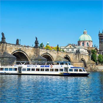 Boat Danubio and Charles bridge