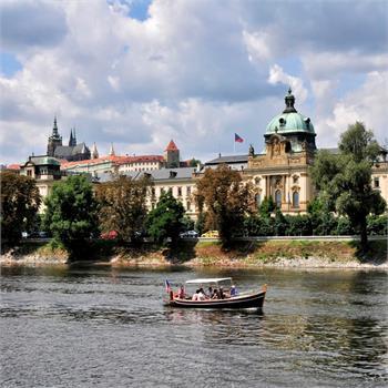 Boat Šárka and Kosárkovo embankment