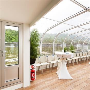 Variable interior decks
