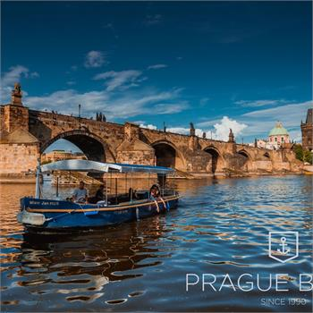 Ship Master Jan Hus at Charles Bridge