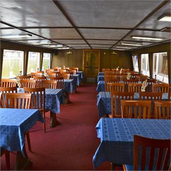 Loď Calypso interiér