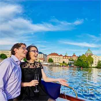 Romantic cruise on the Vltava River on the Šárka