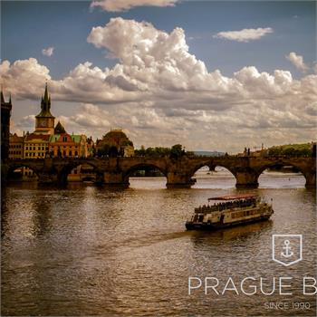 Hodinová plavba Prahou