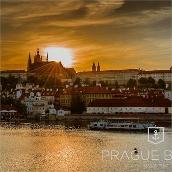 Západ slunce nad Pražským hradem
