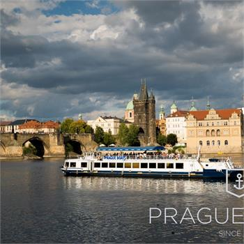 Lunch with a view of Prague's monuments
