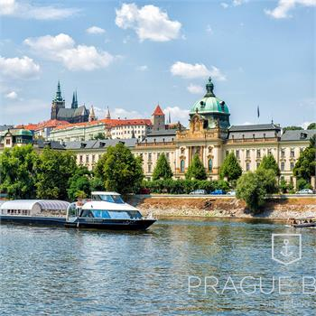 The cruise with a view of the most beautiful Prague monuments
