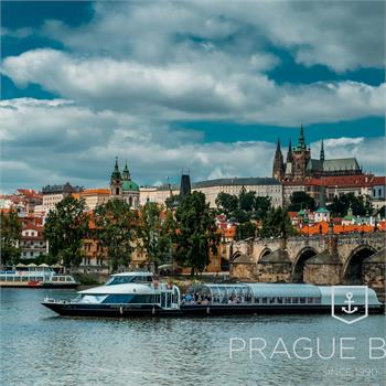 Bohemia Rhapsody boat at the centre of Prague