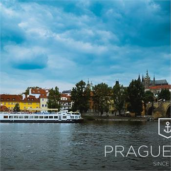 Sightseeing cruise by Labe boat