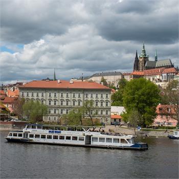Plavba s výhledem na Pražský hrad