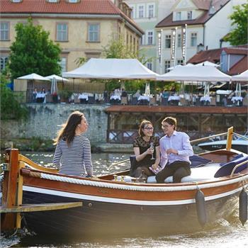 Romantic cruise on Šárka