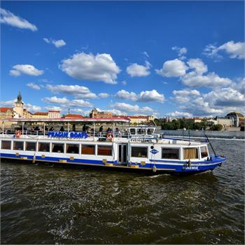Two-hour cruise to Prague