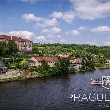 Cruise on the Vltava steamboat to Nelahozeves
