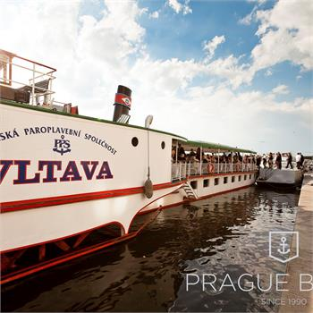 Getting on the Vltava steamer in the harbor
