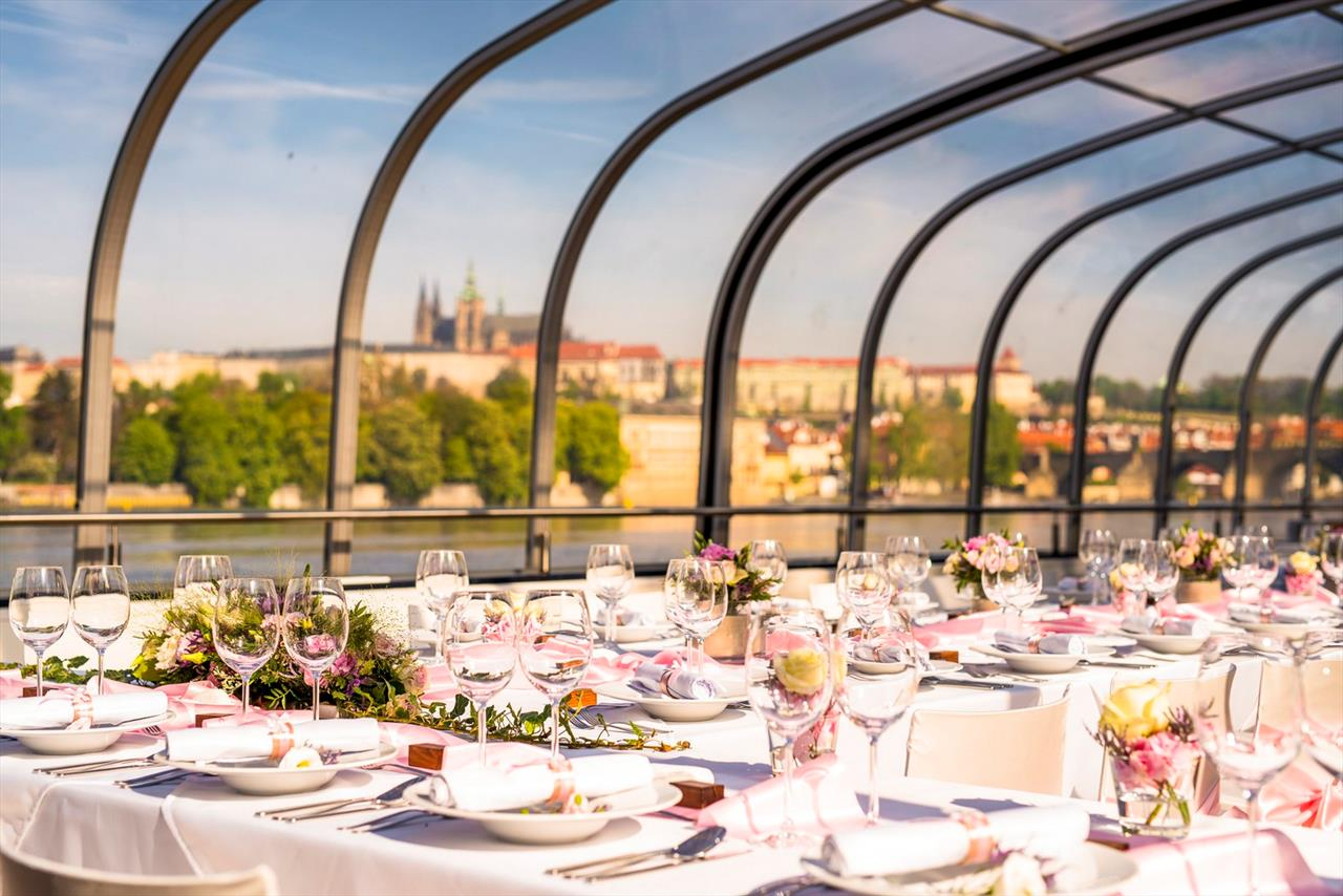 Weddings Prague Boats Cz