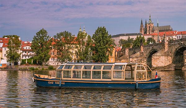 Elektronemo Solar Boat