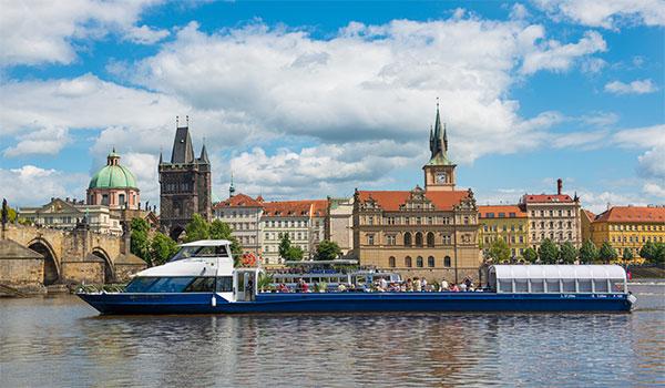 Le bateau Agnes de Bohemia