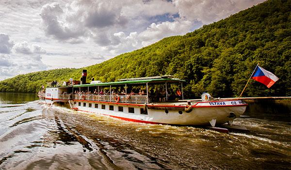 Barco a vapor Vltava