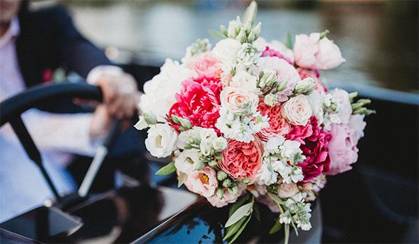 布拉格的游船婚礼