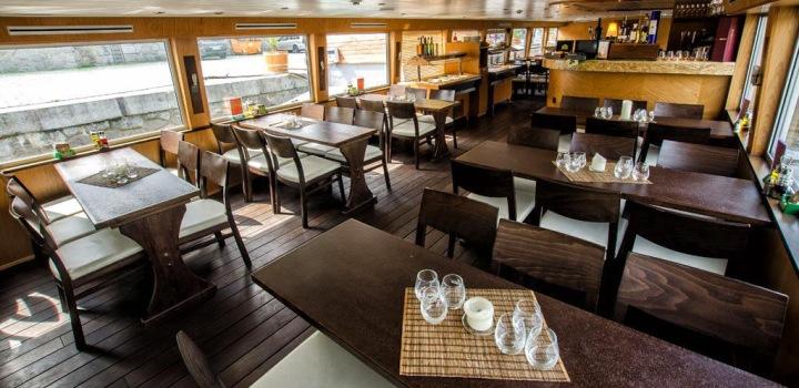 Oběd na lodi – plujeme 30. a 31.12.