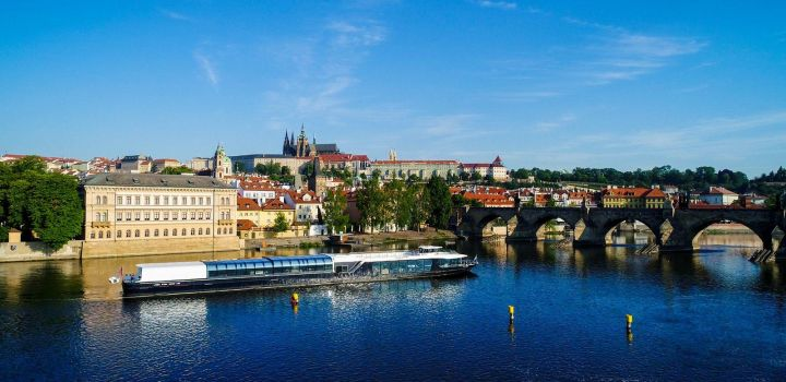 Praha má novou superloď