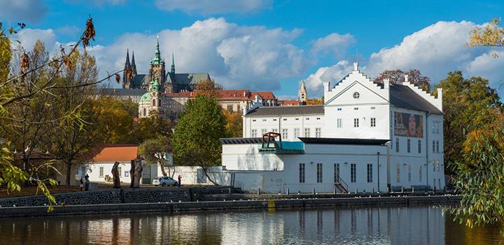 Babí léto v Praze na Vltavě