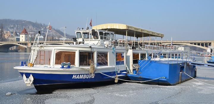 Prague Winter River Cruises 2012 - 2013