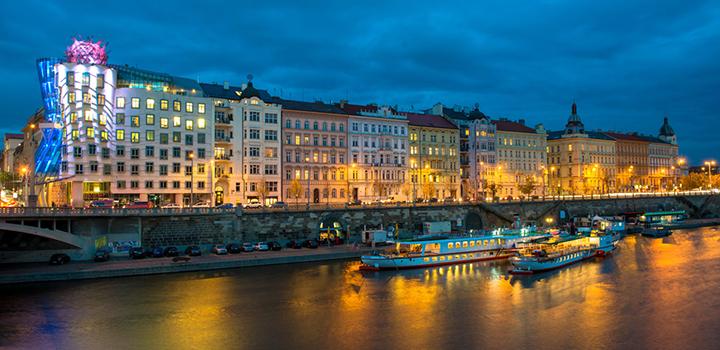 Slavnostní plavby parníků Vltava a Vyšehrad během Signal festivalu