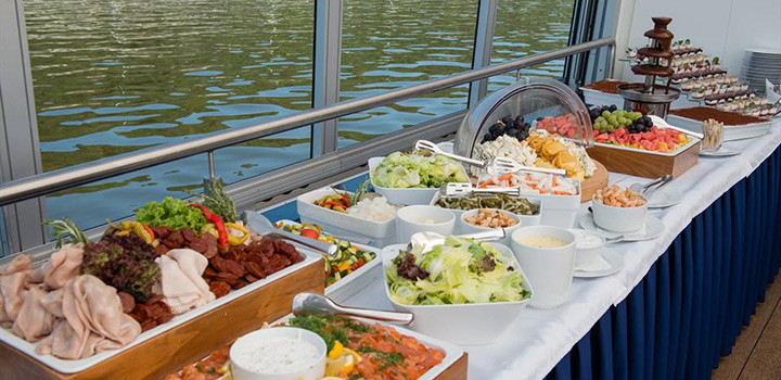 Brunch on boat